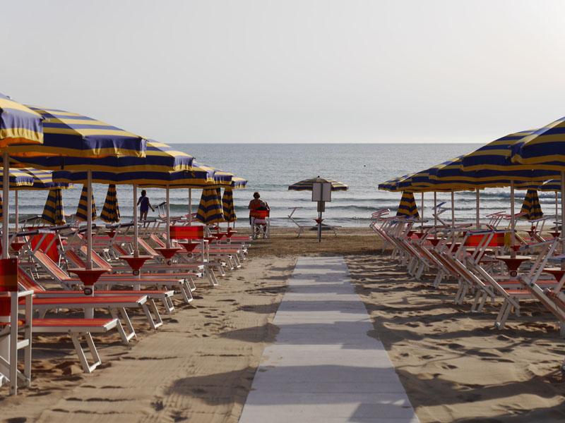 Photogallery lido 82 stabilimento balneare senigallia an - Bagni lido andora ...